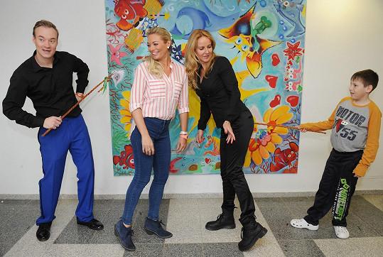 Lucie s Vendulou Pizingerovou dostaly předčasnou velikonoční nakládačku.