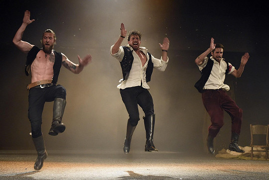 V muzikálu jsou náročné choreografie.