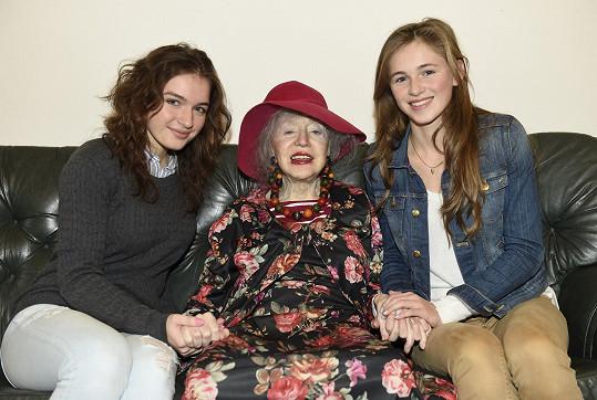 Pomohla jí čtyřiaosmdesátiletá paní Inka, která pochází z Finska.