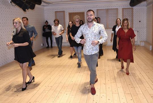 Tanečním partnerem Hybnerové bude Martin Šimek, který všem představil, na jaké tance se budou připravovat.