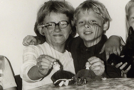 Jarek Šimek jako malý kluk (vpravo)