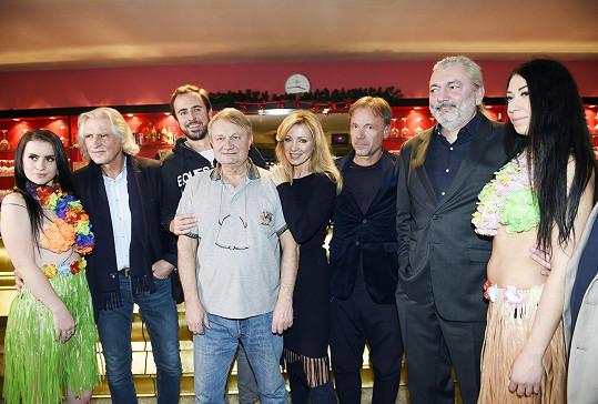 A s větší muzikálovou partičkou včetně Dana Hůlky a Kateřiny Brožové