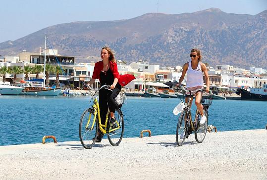 Na ostrově Kos se jí líbilo i to, že se dá podél pobřeží jezdit na kole.