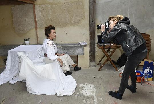 S fotografkou Ivy Morwen při práci