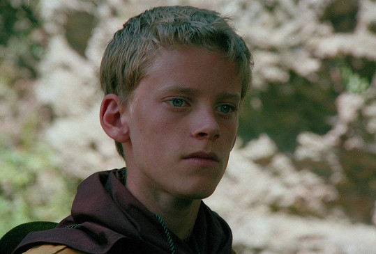 Už ve své první roli v povídce Past ve čtrnácti letech nezapřel podobu s tátou a dědou.