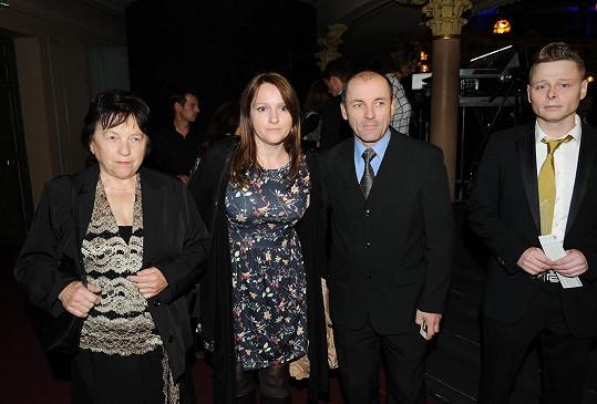 Maminka Ivety Svatava, sestra Ivana, bratr Lumír a přítel rodiny Jarek Šimek