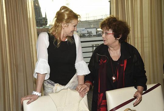 Na křtu se zapovídala s kolegyní Janou Bouškovou.