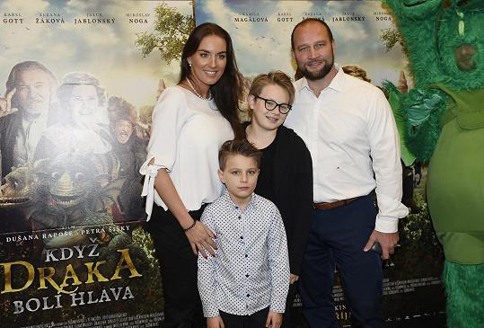 Lucie Šlégrová s manželem Jiřím a jejími syny Robertem a Richardem