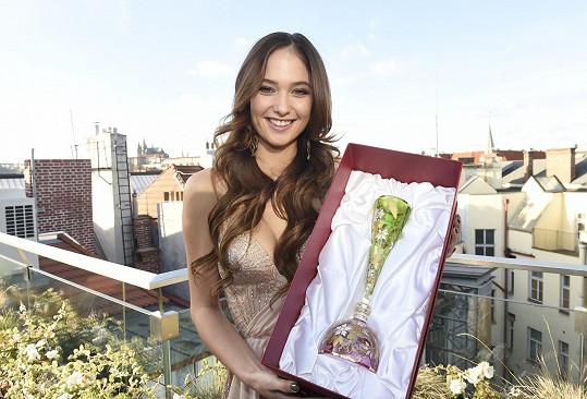 Do Thajska veze luxusní národní dar ze světově proslulé karlovarské sklárny.