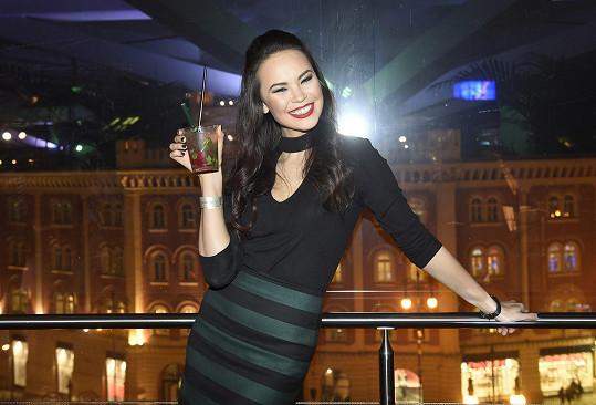 K whiskey se podle svých slov Monika ještě nepropila a zvládá ji vypít jen v podobě míchaných drinků.
