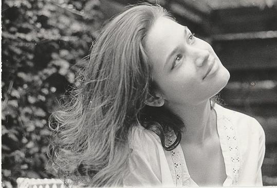 Klára jako čtrnáctiletá holka, která snila o kariéře modelky.