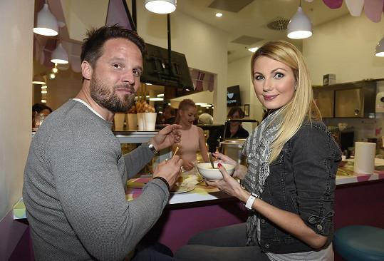 Vyrazili na otevření restaurace na pražském Chodově.