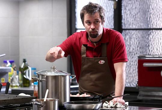 Jan Dolanský coby kuchař Burák