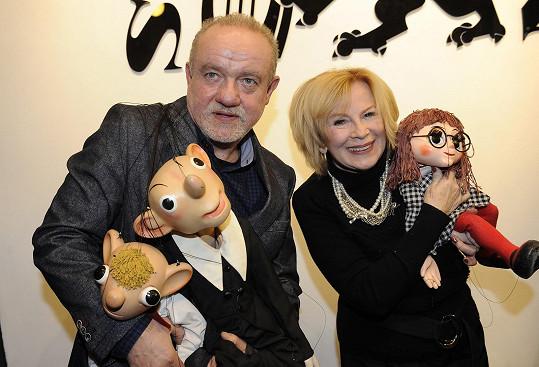 Martin Klásek s již zesnulou ředitelkou DSH Helenou Štáchovou při křtu CD v prosinci 2015.
