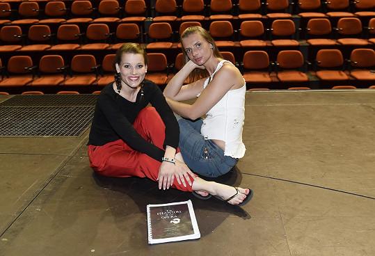 Monika Sommerová a Michaela Gemrotová ztvární roli Christine.