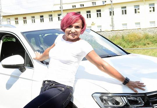 Petra Janů si pořídila nové auto.