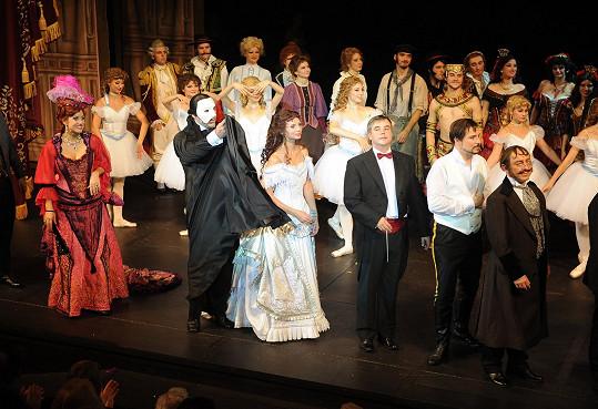 Monika na děkovačce Fantoma opery, kde ztvárnila roli Christine.