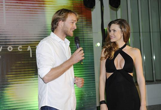 Výhled měl ale stejně krásný, místo Elišky koukal na krásnou Andreu Verešovou.