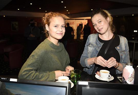 Její filmovou maminkou je Kristýna Boková.