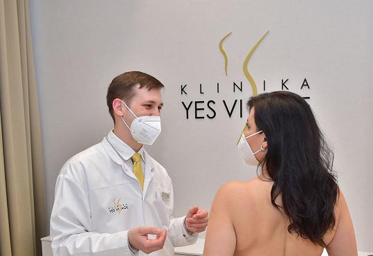 Během konzultace před operací