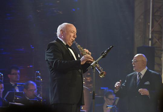 K osmdesátinám mu zahrál manžel Dády Patrasové Felix Slováček.