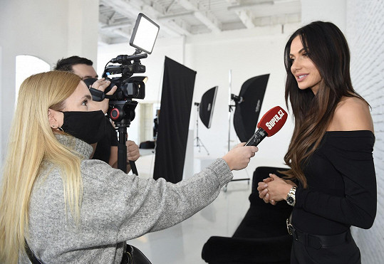 Modelku jsme potkali na focení finalistek České Miss Essens.