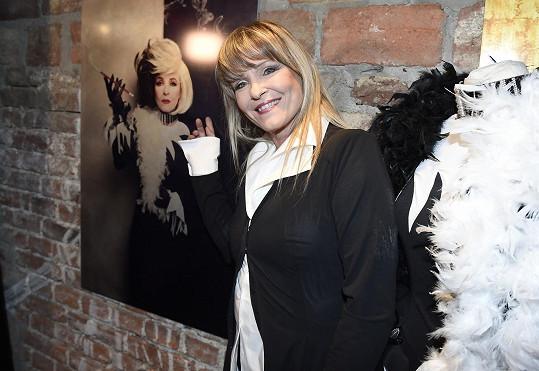 Chantal Poullain se svou fotkou