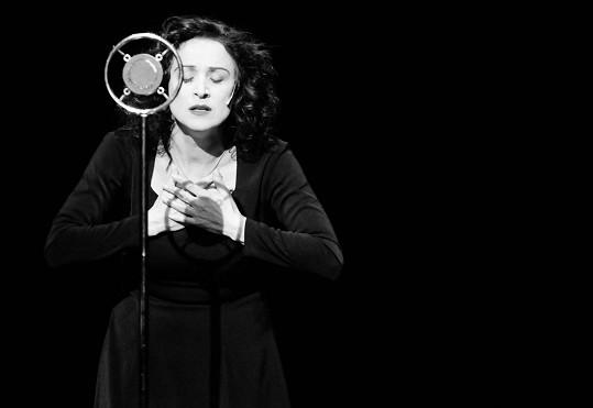 V muzikálu Edith a Marlene jako slavná francouzská šansoniérka