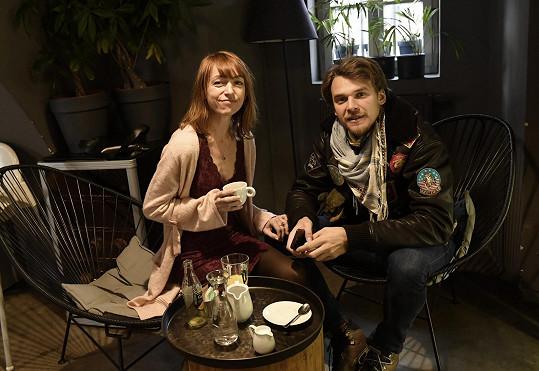 Vojta Dyk s partnerkou Ttaianou Vilhelmovou