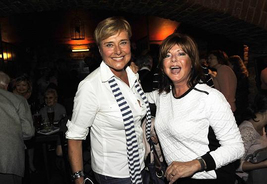 Tam se setkala i s bývalou kolegyní Marií Tomsovou.