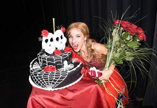 Dostala nádherný dort.