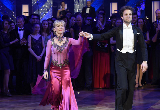 Dana Batulková a Jan Onder okouzlili na plese StarDance.