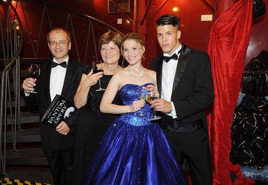 Michaela Gemrotová s rodiči a bratrem