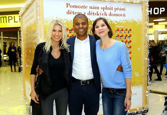 Dvě bývalé a jedna současná rosnička: Romana Jákl Vítová, Rey Koranteng a Dagmar Honsová