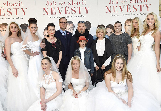 Švandová ve filmu hraje hodně urputnou maminku Lenky Vlasákové.