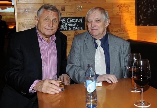 Se zesnulým oscarovým režisérem Jiřím Menzelem byl stále ve styku.