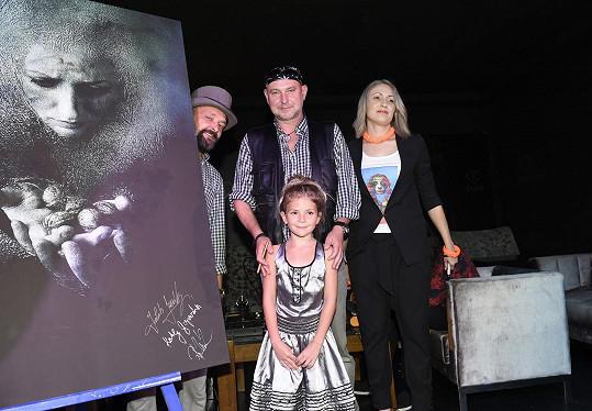 Zahájení společné vernisáže s výtvarníkem Romanem Řehákem a modelkami Kathy Gajewskou a malou Sofinkou
