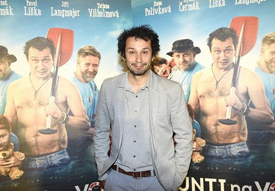 Pavel Liška si zahrál jednoho z tatínků, který vzal děti na vodu.