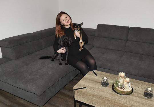 Veronika se svojí psí smečkou