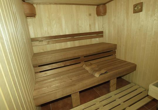 Součástí je i sauna.