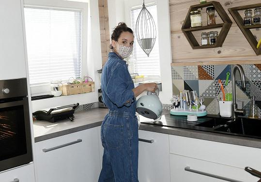 V kuchyní se ohání denně.