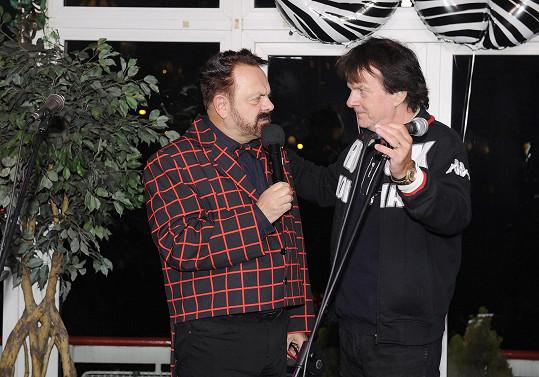 Během programu zazpíval Pavel Roth.