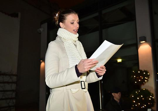 Sommerová zpívala na zahájení trhů pro Nadaci Zdeňka Milera.