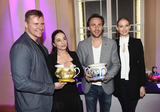 Setkali se s Romanem Vojtkem a jeho přítelkyní Petrou Vraspírovou.