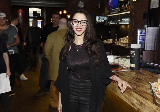 Burešová se poprvé veřejně představila v roce 2011 v soutěži Česko Slovensko má talent. Následně si zahrála v seriálu Gympl s (r)učením omezeným a aktuálně působí v seriálu Modrý kód.