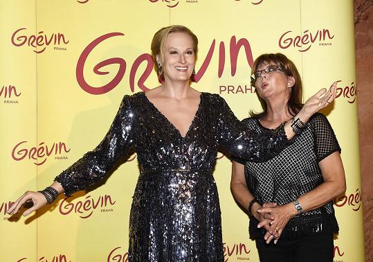 Marie Tomsová zapózovala s figurínou Meryl Streep.