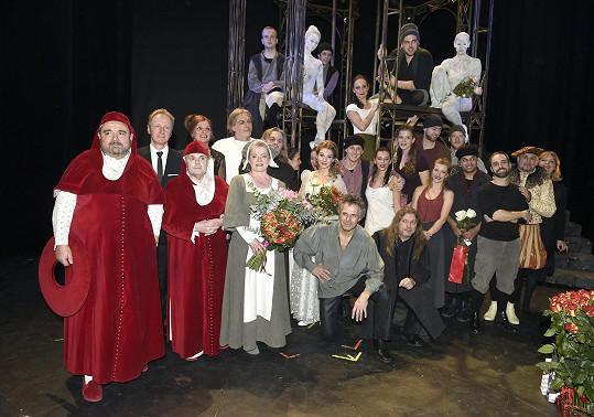 Herecký ansámbl muzikálu Galileo, který se vrátil po 15 letech na prkna.