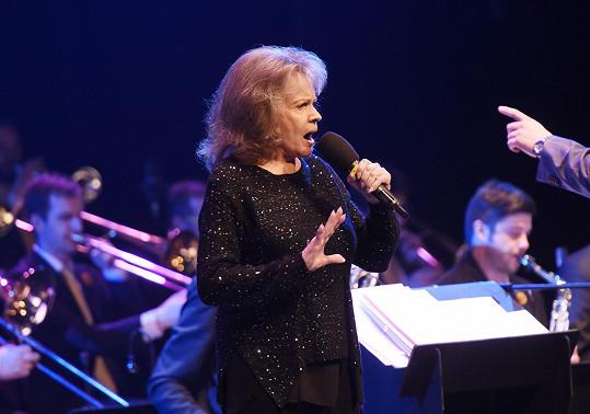 Zpívala i Eva Pilarová...