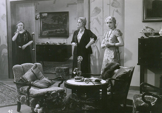 Se Zdenkou Baldovou a Mary Grossovou v hlavní roli komedie Právo na hřích (1932)