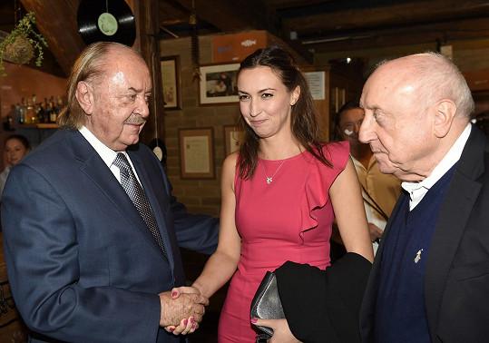 Popřát přišel Felix Slováček s přítelkyní Lucií Gelemovou.